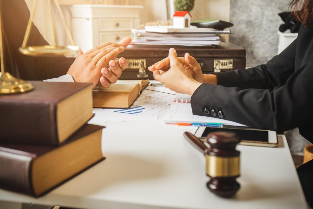How Are Businesses Valued in a Texas Divorce? | Schneider Law Firm | iStock-863940274